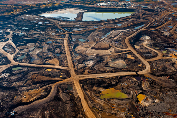 canadas-oil-sands-to-remain-unhurt-by-falling-crude-prices