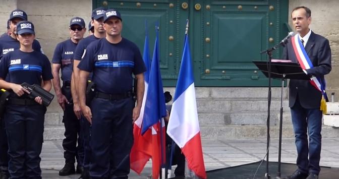 Robert Ménard et son référendum antimigrants
